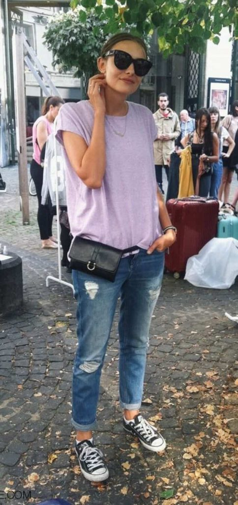 how to wear a fanny pack and boyfriend jeans 12